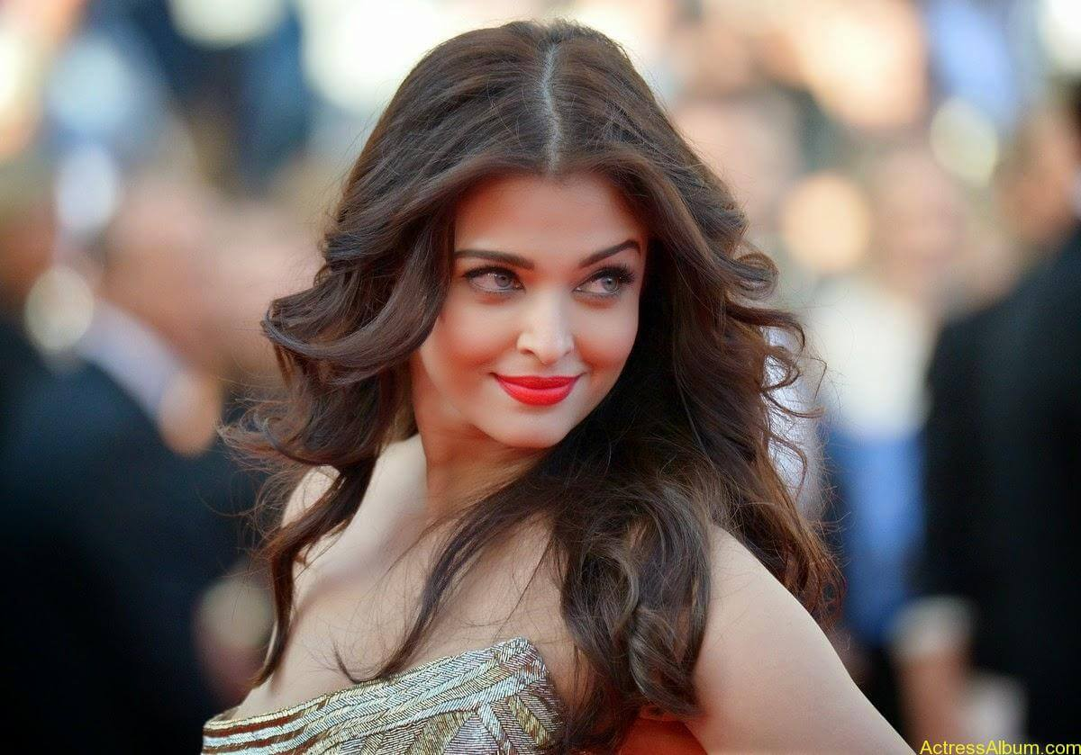 aishwarya rai at cannes film festival (4)
