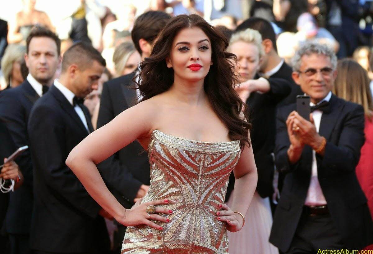 aishwarya rai at cannes film festival (9)
