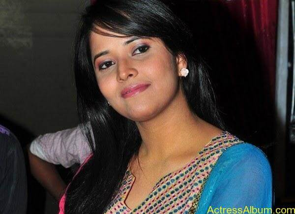 Anchor Anasuya hot Boobs Show photos (27)