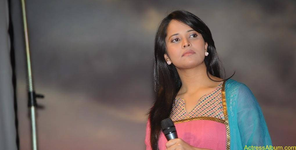 Anchor Anasuya hot Boobs Show photos (28)