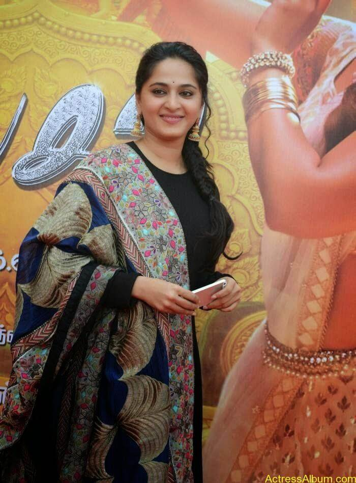 Anushka At Linga Audio Launch (2)