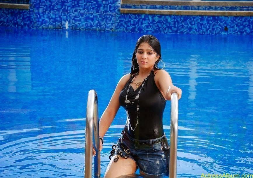 Charmi Thunder Thigh Show (1)