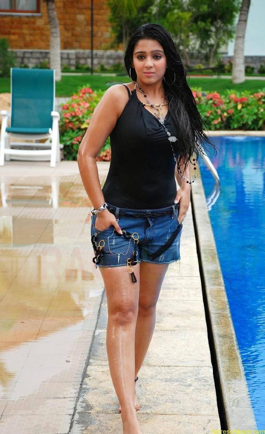 Charmi Thunder Thigh Show (6)
