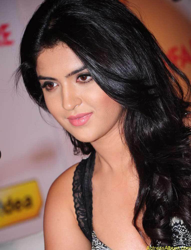 Deeksha Seth Latest Photo Gallery (3)