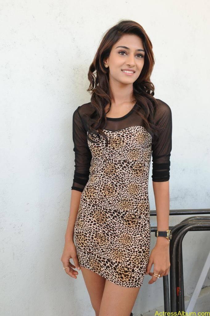 Erica Fernandes Cute Stills (20)