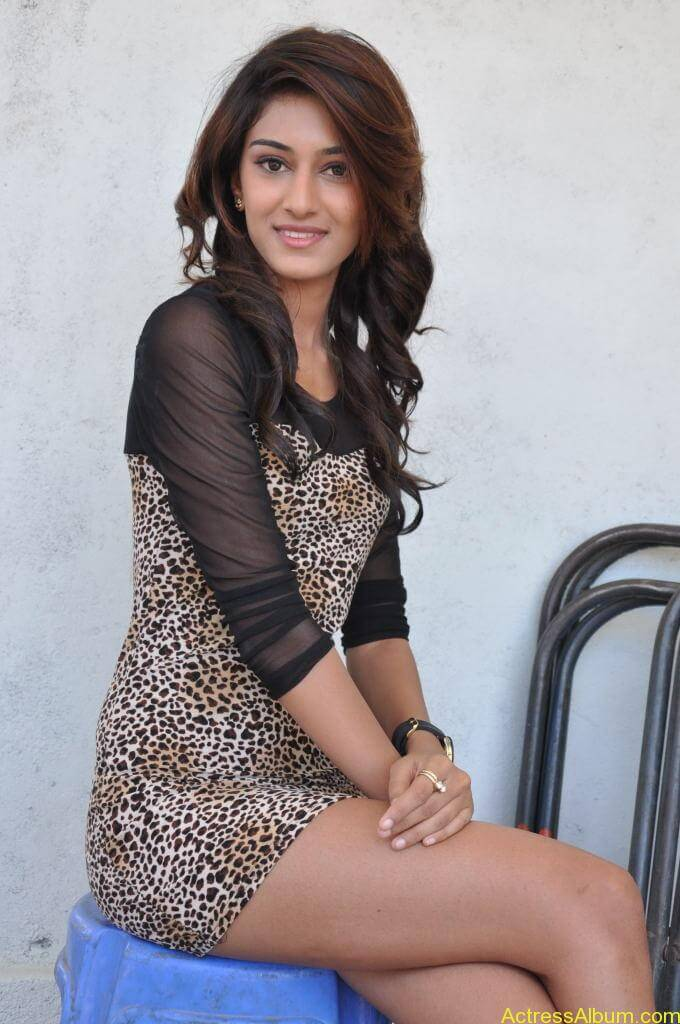 Erica Fernandes Cute Stills (24)