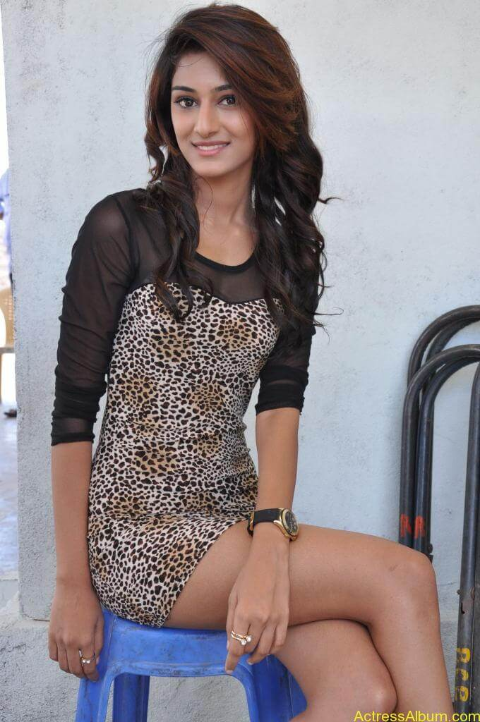 Erica Fernandes Cute Stills (30)