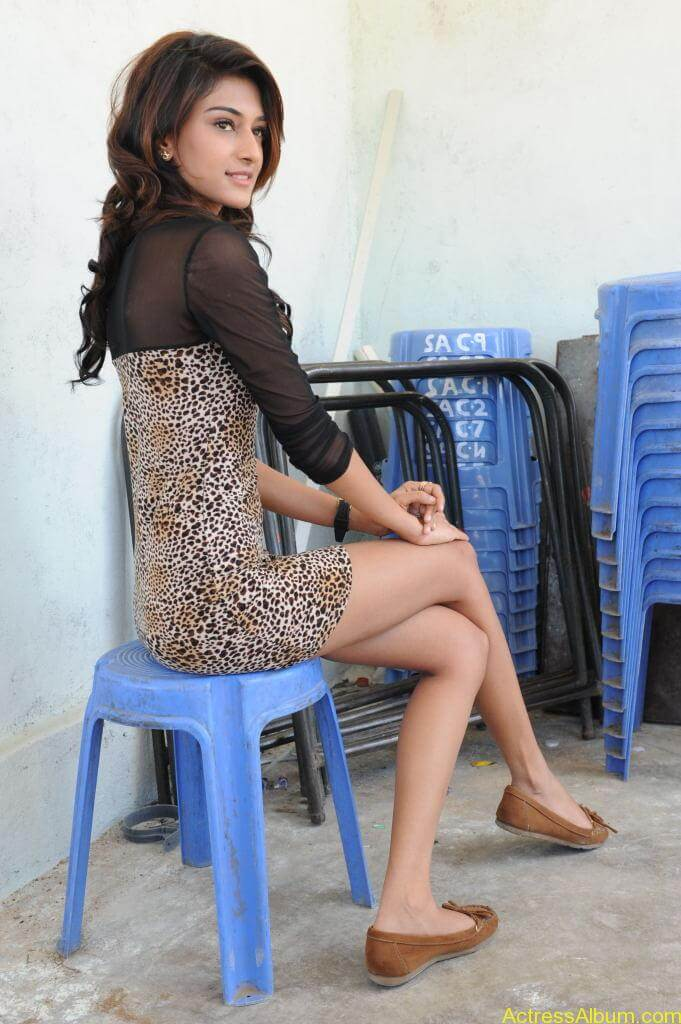 Erica Fernandes Cute Stills (32)
