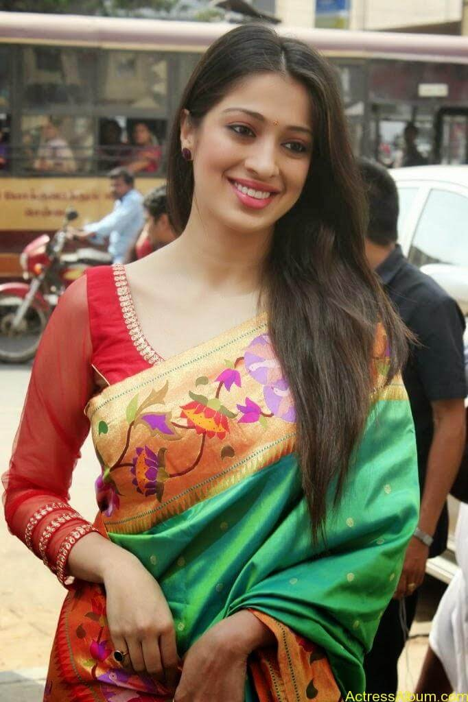 Lakshmi Rai Stunning Photoshoot In Saree (6)