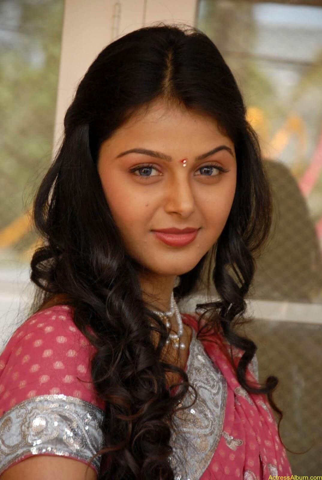 Monal gajjar Hot Saree Stills (3)