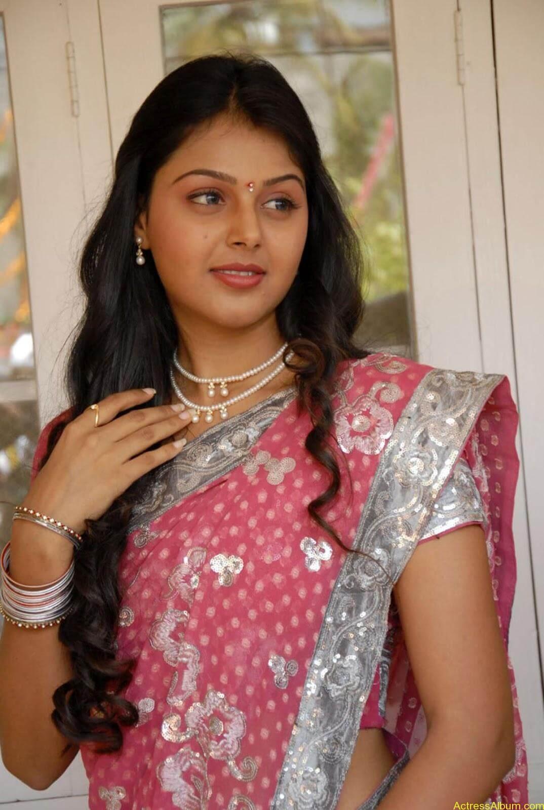 Monal gajjar Hot Saree Stills (5)