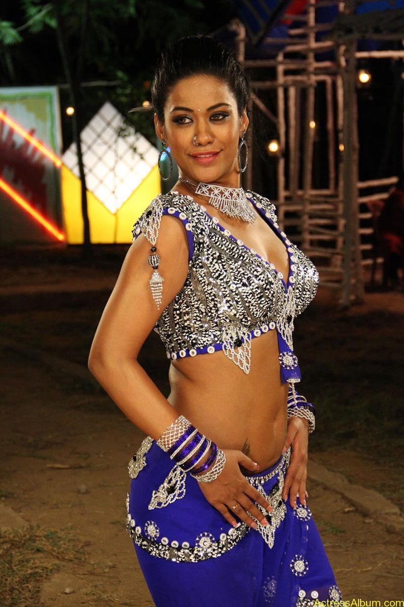 mumaith-khan-latest-spicy-stills _13_