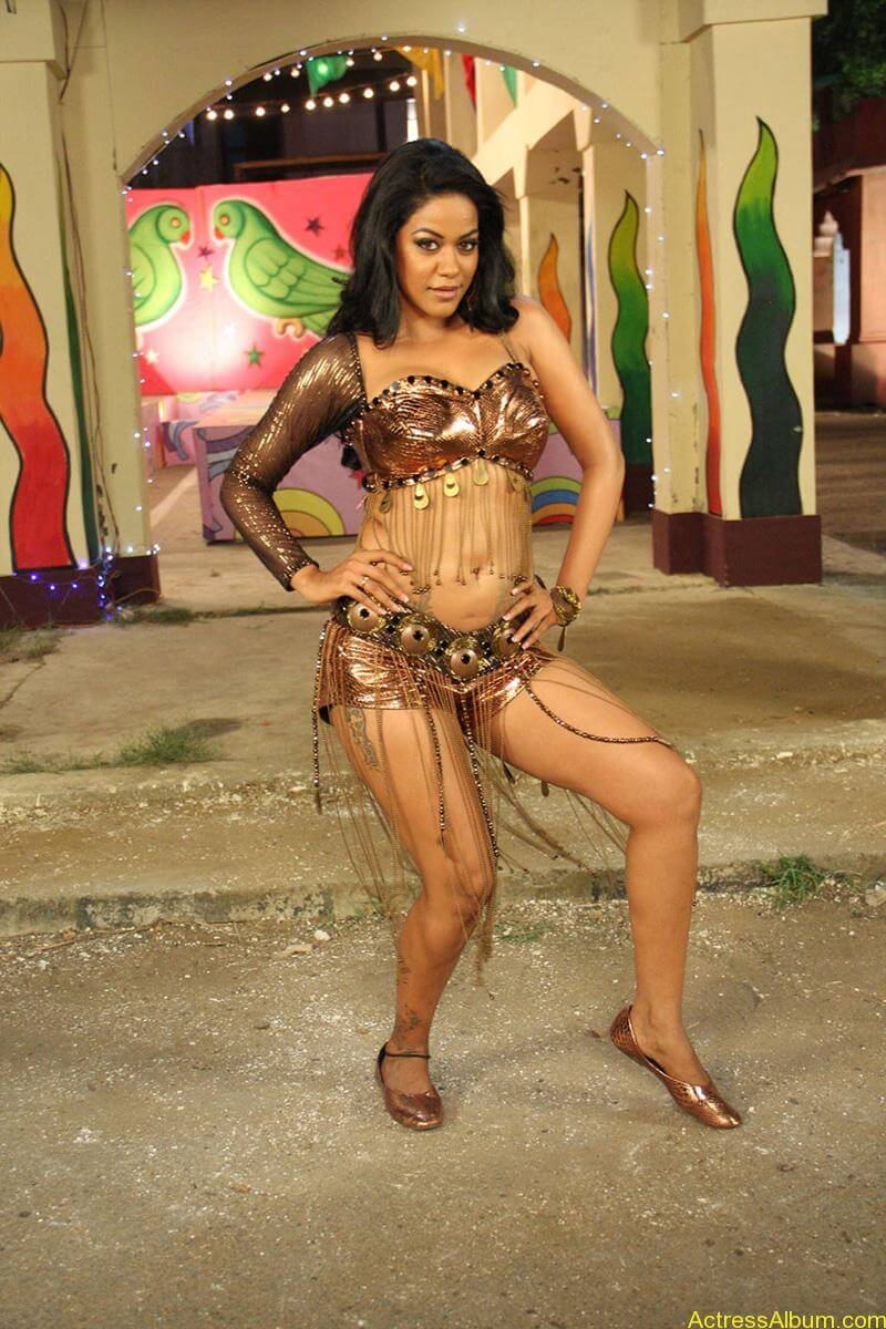 mumaith-khan-latest-spicy-stills _5_