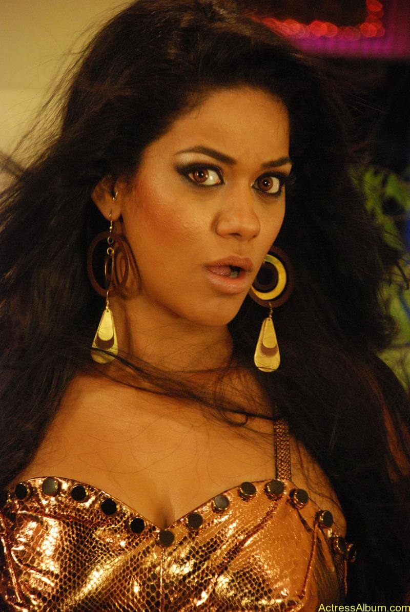 mumaith-khan-latest-spicy-stills
