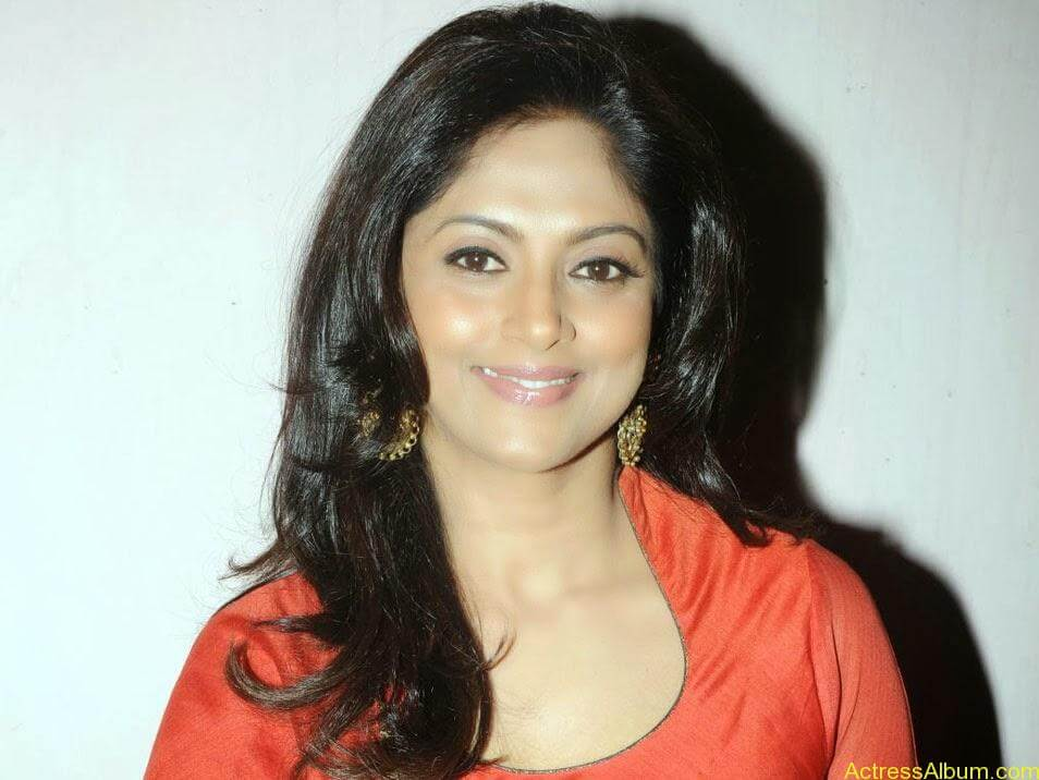 Nadhiya in beautiful orange anarkali dress 8