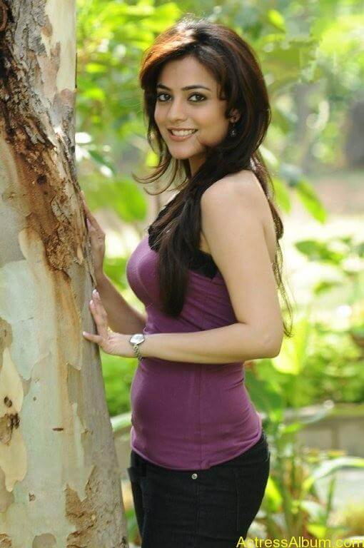Nisha Agarwal Cute Stills (5)