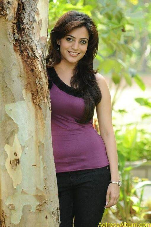 Nisha Agarwal Cute Stills (6)