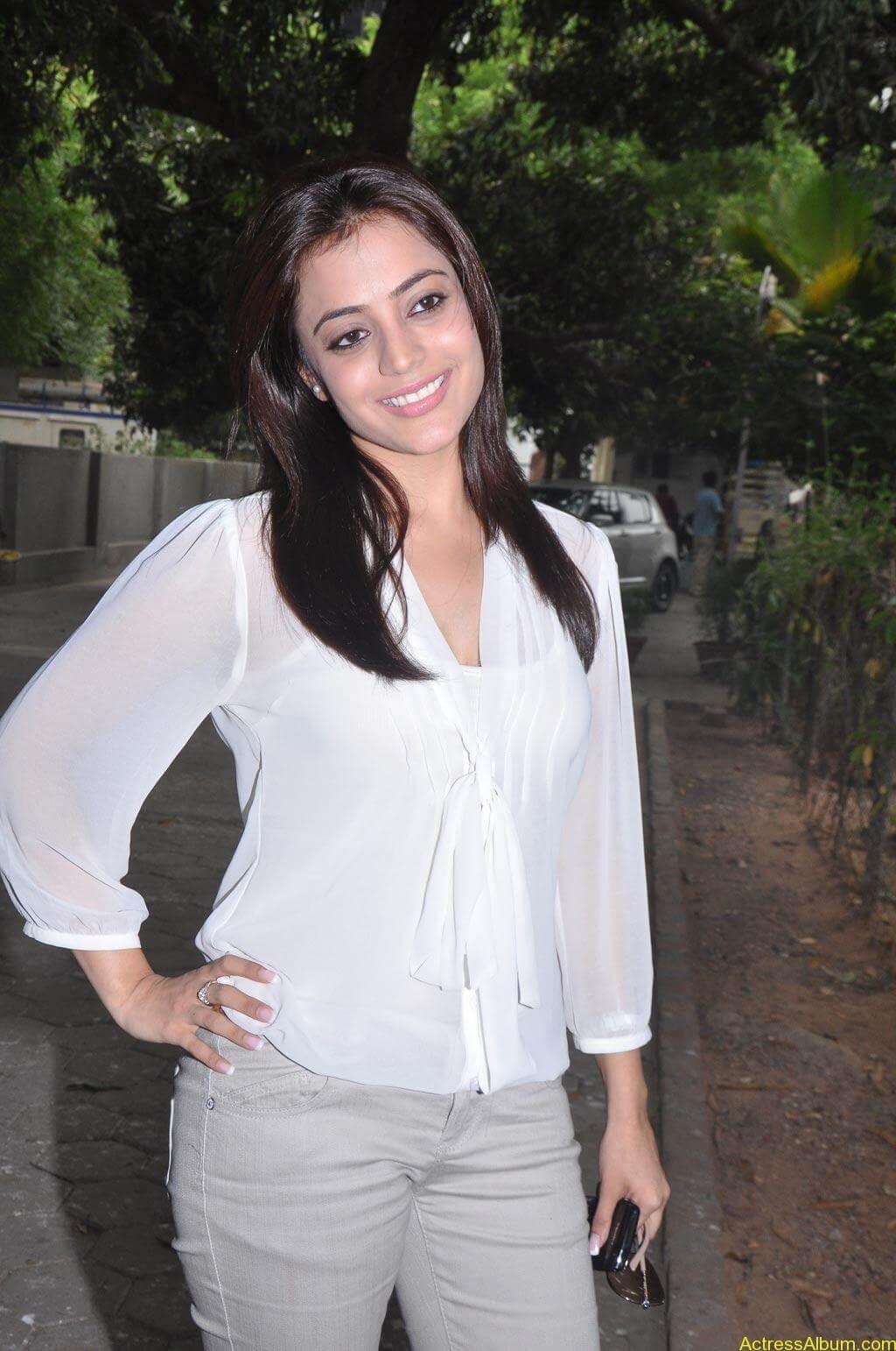 Nisha Agarwal Stills (1)