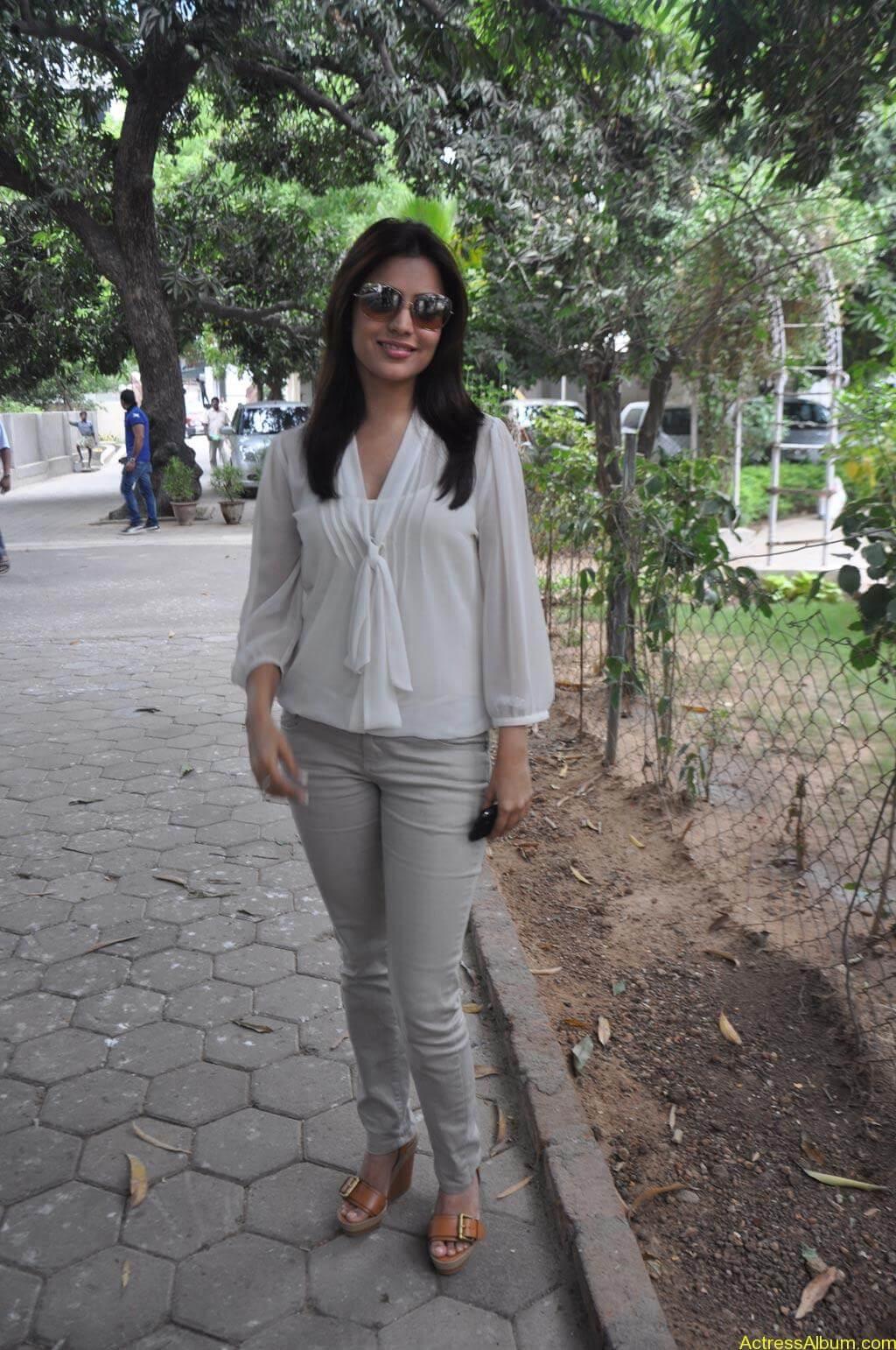 Nisha Agarwal Stills (10)