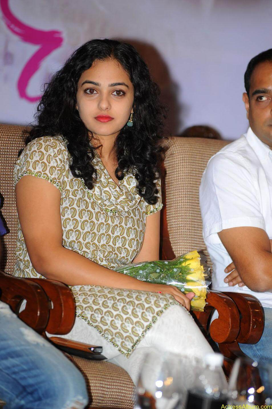 Nithya-Menon-Cute-Photos-CF-010