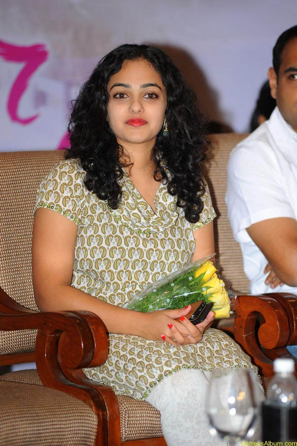 Nithya-Menon-Cute-Photos-CF-011
