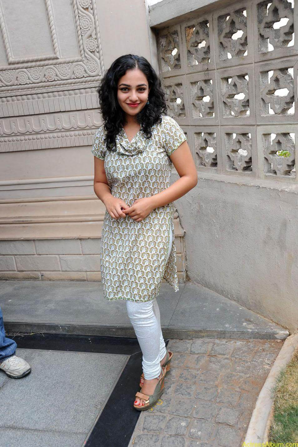 Nithya-Menon-Cute-Photos-CF-05