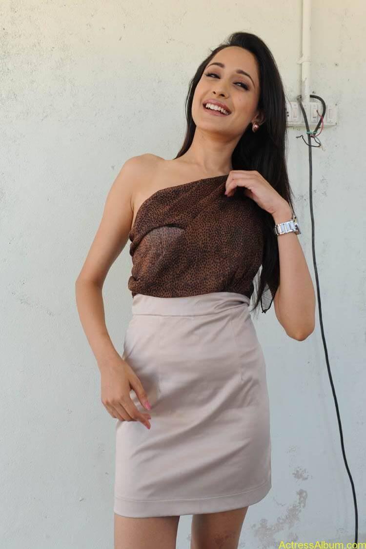 Pragya Latest Photoshoot (14)