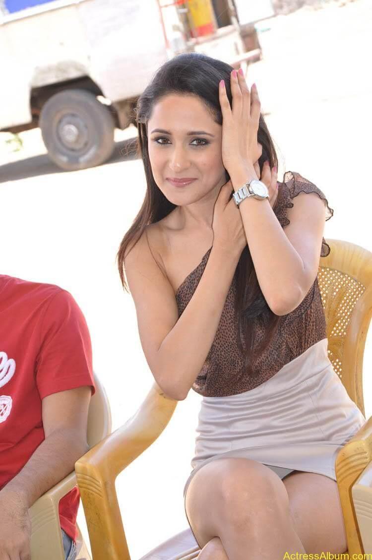 Pragya Latest Photoshoot (19)