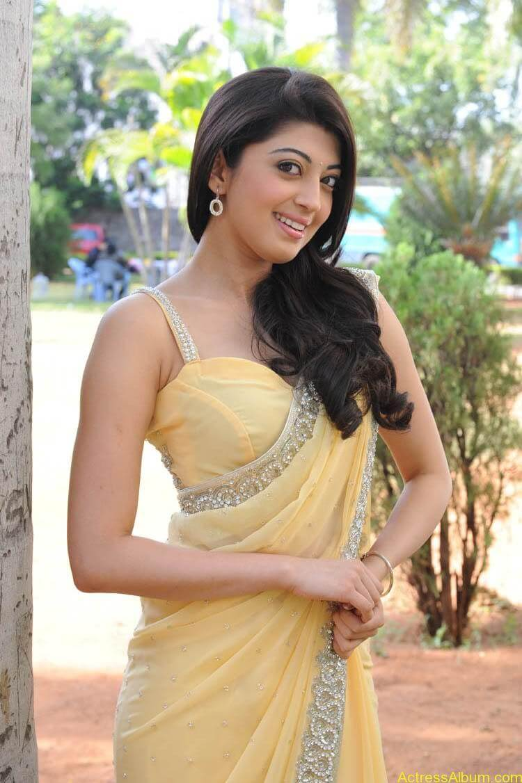 Pranitha Latest Photo Gallery3
