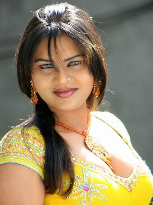 Priya Aunty Hot Images - Actress Album