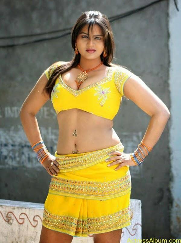Priya Aunty_02