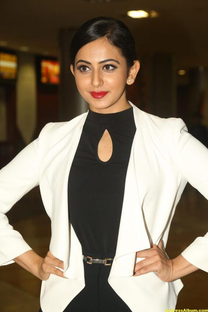 Rakul Preet Singh 2016 Latest Photos In White Dress (7)