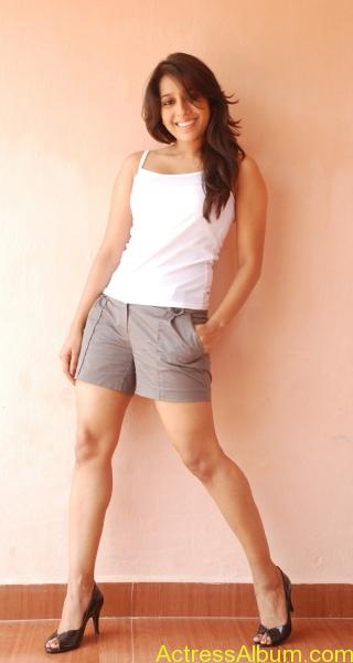 rashmi-gautam-stills-in-white-_2_