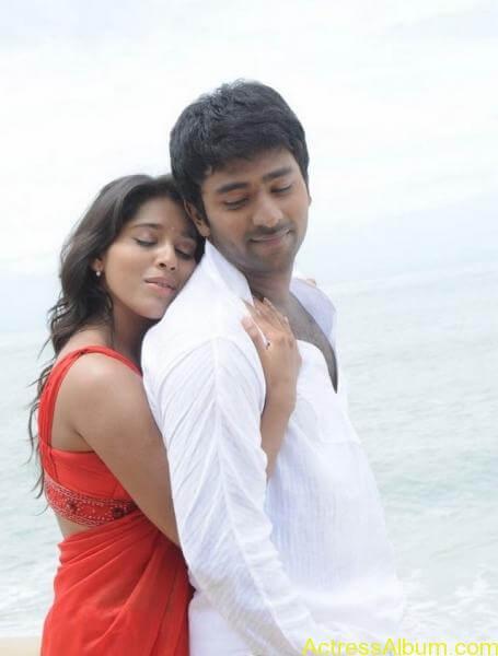 rashmi-gautam_hot-navel-show-pics-_2_
