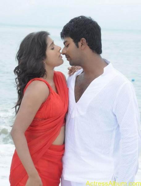 rashmi-gautam_hot-navel-show-pics-_3_