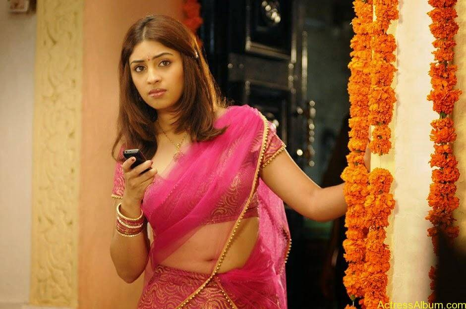 richa_gangopadhyay_hot_in_murattu_singam_001