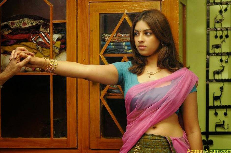 richa_gangopadhyay_hot_in_murattu_singam_006