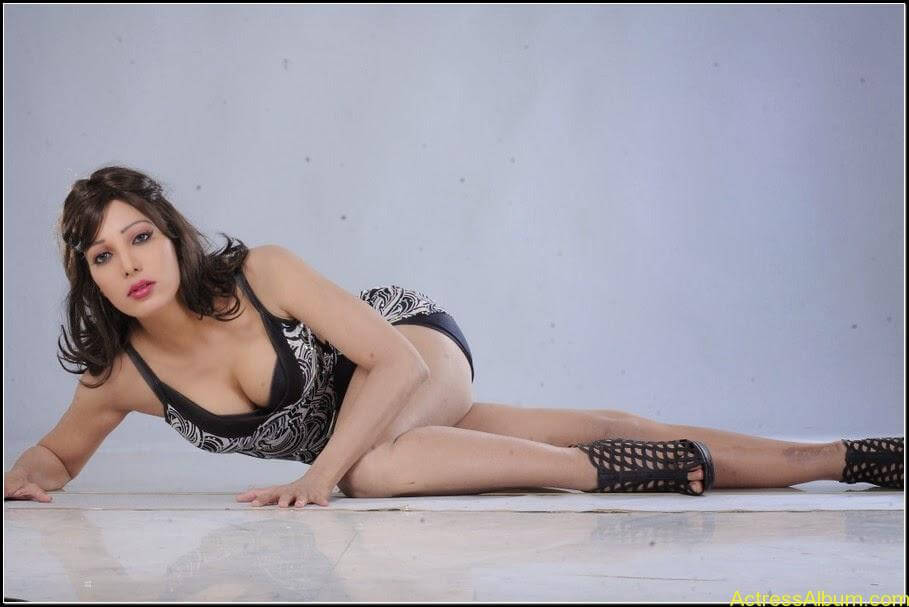 Ruby Ahmed Hot Images 18