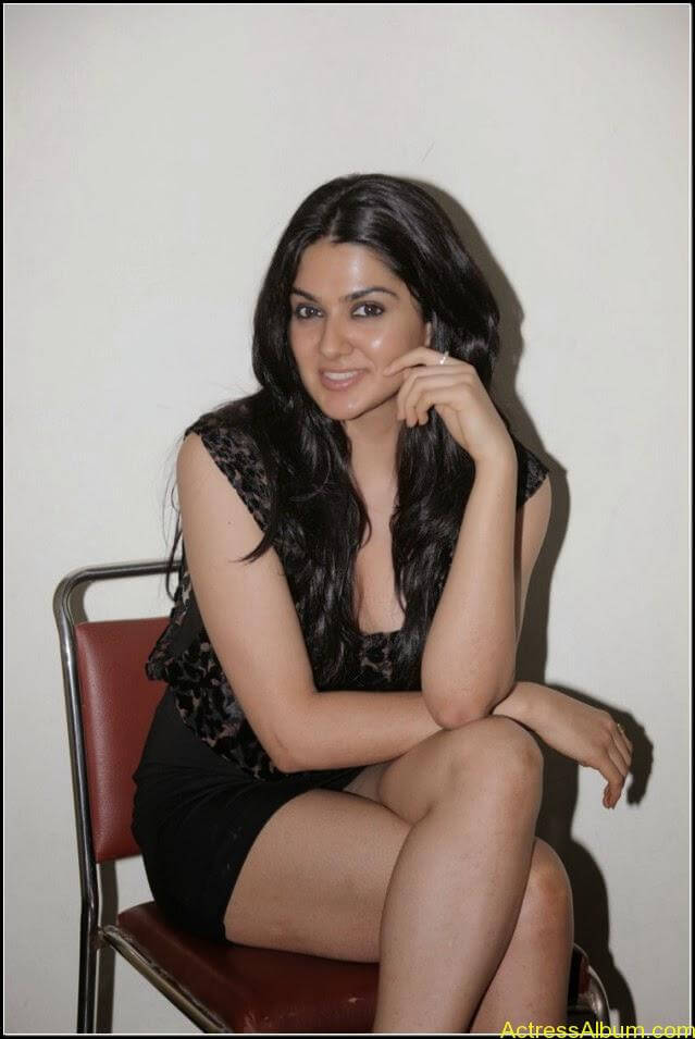 sakshi chowdary Exposing Sexy Legs Show5
