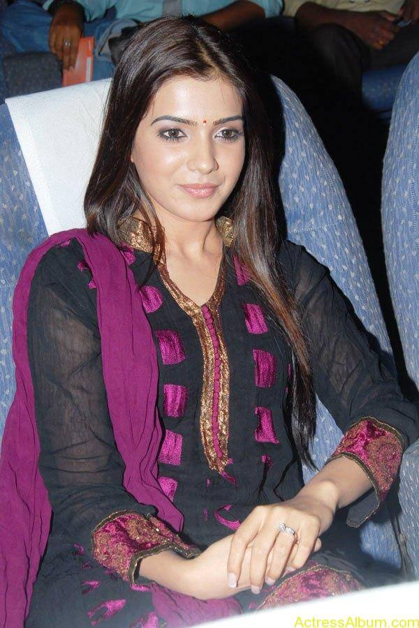 Samantha Cute Stills (3)