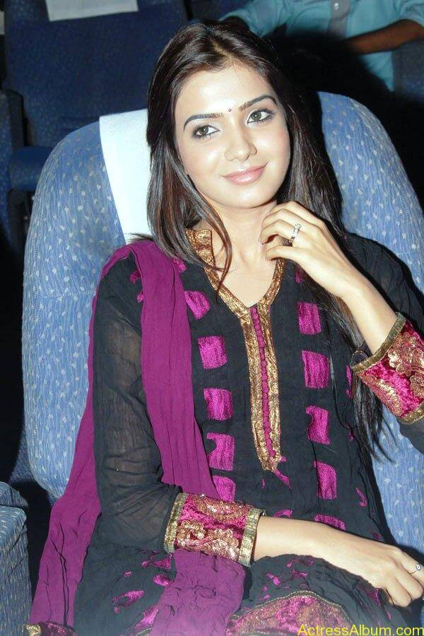 Samantha Cute Stills (4)