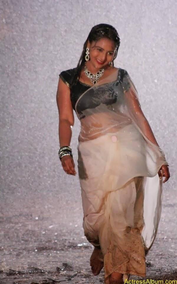 Samvrutha Sunil Hot Exposing in Rain 5