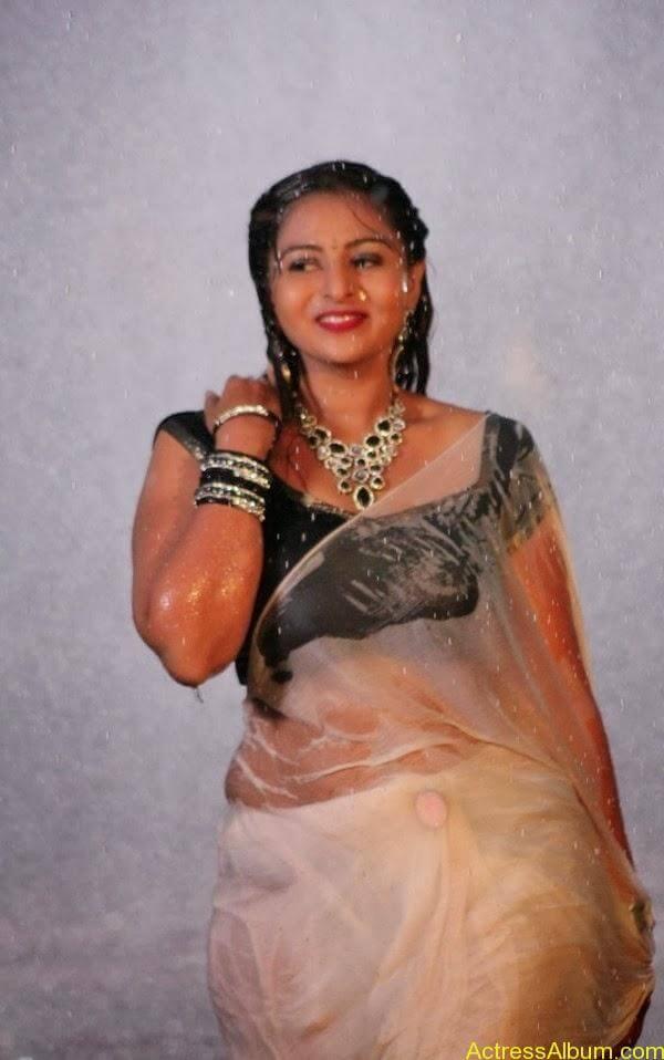 Samvrutha Sunil Hot Exposing in Rain 8