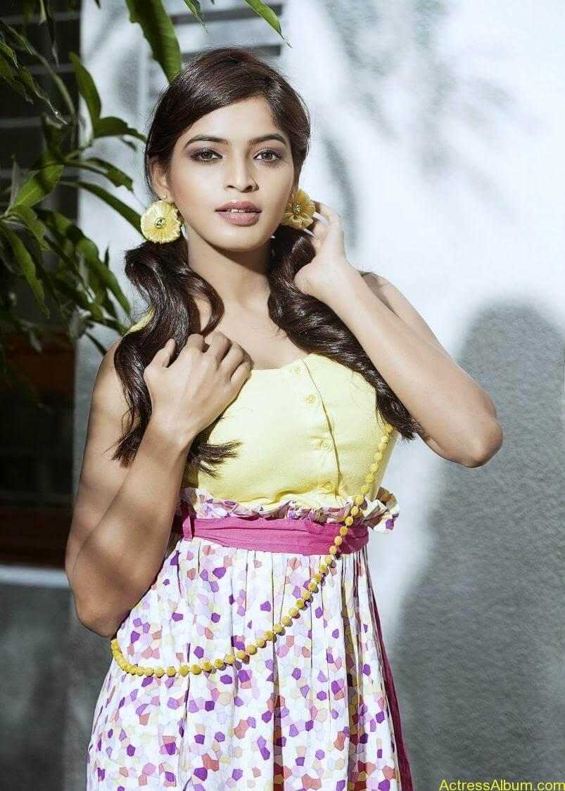 sanchita-shetty-photoshoot-Actress (0)