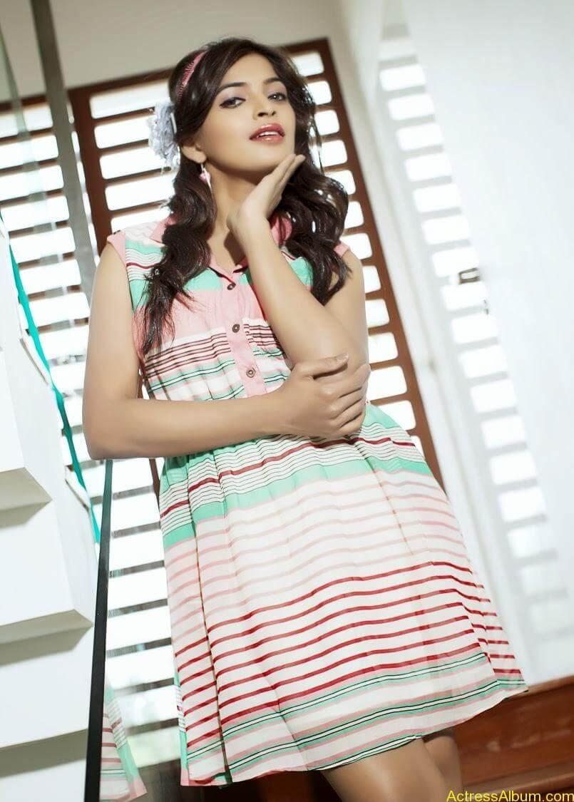 sanchita-shetty-photoshoot-Actress  (10)