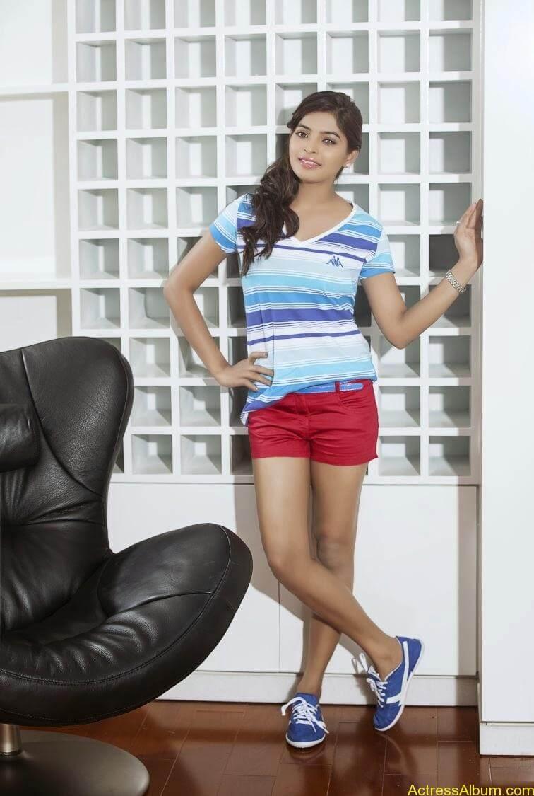 sanchita-shetty-photoshoot-Actress  (8)