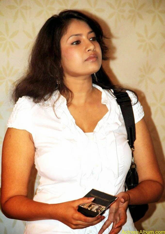 Sangavi Hot In White Dress (5)