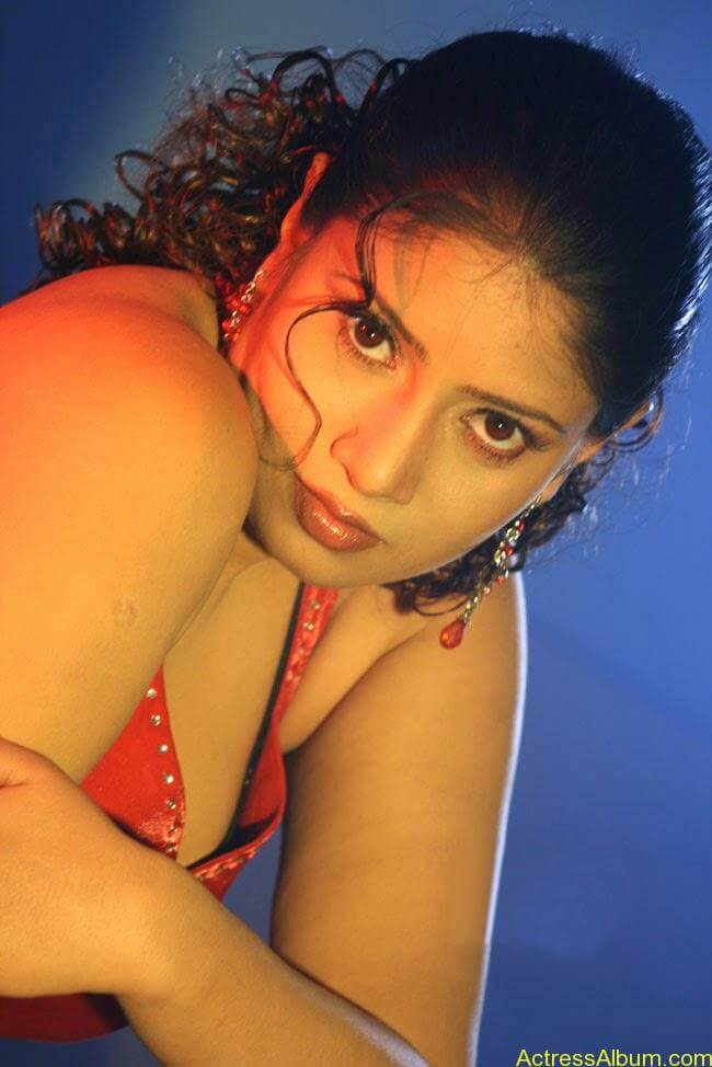 Sangavi Hot Pics From Indrani Movie (16)