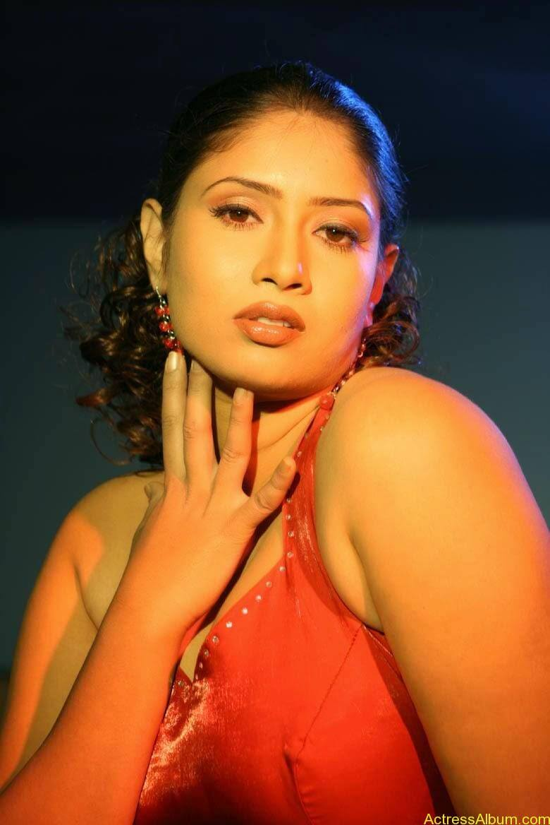 Sangavi Hot Pics From Indrani Movie (23)
