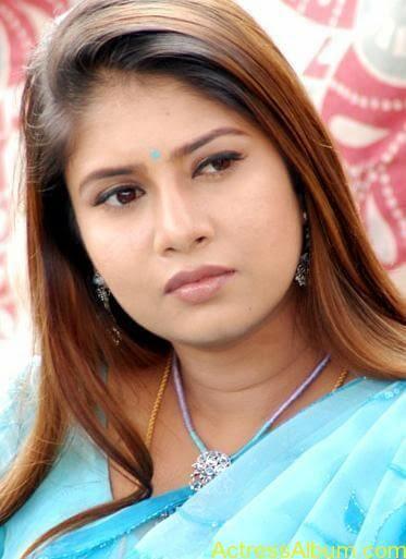 Sangavi Hot Pics In Sarees (12)